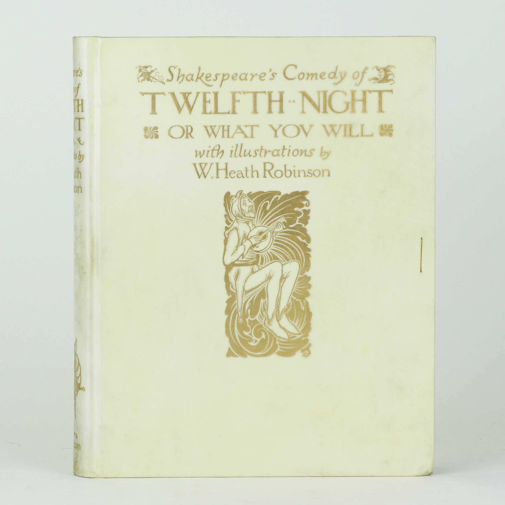 an analysis of the comedy in twelfth night by william shakespeare Plot summary of shakespeare's twelfth night: orsino, the duke of lllyria, is in love with his neighbour, the countess olivia the comedy of errors plot summary.